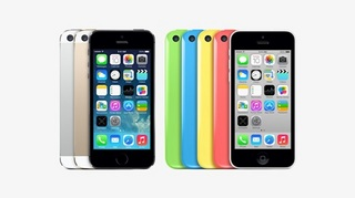 iPhone-5s-and-iPhone-5c-on-Light-Grey-1.jpg